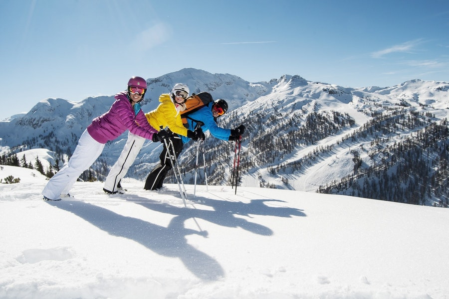 Ski-Opening Special for 4=3 days (with 3 day ski pass)